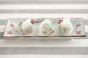 Chinese food shrimp dumplingsの写真素材 [FYI02213483]