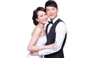 Portrait of sweet young coupleの写真素材 [FYI02213805]