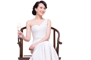 Young beautiful woman with champagne fluteの写真素材 [FYI02214140]