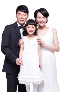 Portrait of happy familyの写真素材 [FYI02214186]