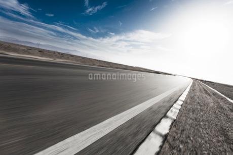 Highway, Qinghai Provinceの写真素材 [FYI02214403]