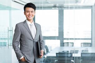 Portrait of businessmanの写真素材 [FYI02214520]