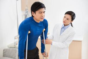 Doctor and patientの写真素材 [FYI02214588]
