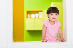Portrait of cute girlの写真素材 [FYI02214660]