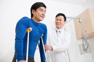 Doctor and patientの写真素材 [FYI02214677]