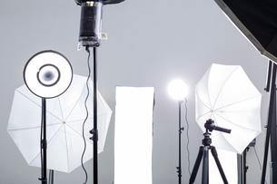 Photographic equipment in studioの写真素材 [FYI02214985]