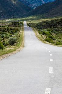 Road in Tibet, Chinaの写真素材 [FYI02214992]