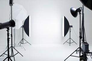 Photographic equipment in studioの写真素材 [FYI02215633]