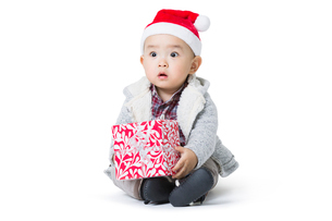 Cute baby with Christmas presentの写真素材 [FYI02215682]