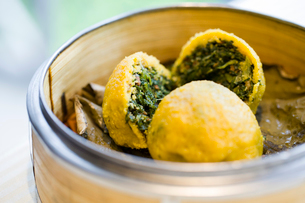Traditional Chinese snack vegetable rollの写真素材 [FYI02215995]