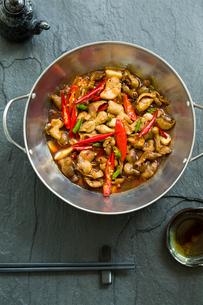 Chinese cuisine griddle pork intestinesの写真素材 [FYI02216020]