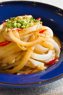 Traditional Chinese food cold rice noodlesの写真素材 [FYI02216349]
