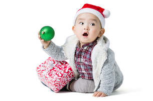 Cute baby and Christmas presentの写真素材 [FYI02216938]