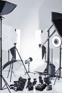 Photographic equipment in studioの写真素材 [FYI02217092]
