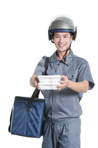 Take-out deliverymanの写真素材 [FYI02220911]
