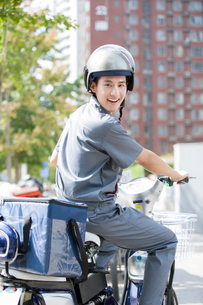 Take-out deliverymanの写真素材 [FYI02222744]