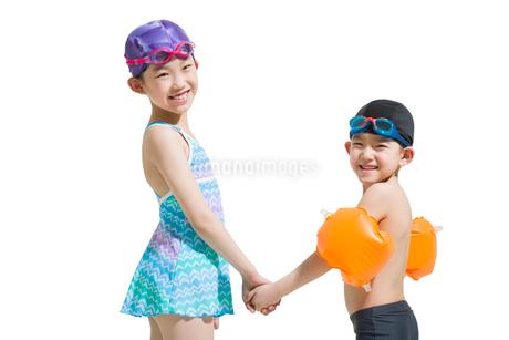 Cute children in swimsuitの写真素材 [FYI02224070]