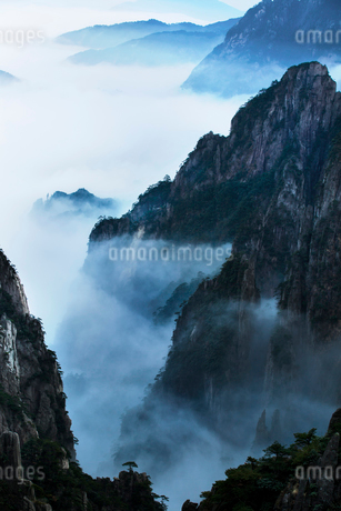 Mt Huangshan in Anhui province,Chinaの写真素材 [FYI02224324]