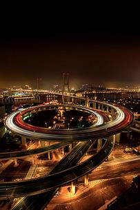 Shanghai cityscape at night,Chinaの写真素材 [FYI02224509]