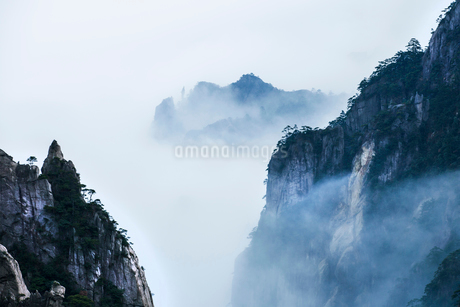 Mt Huangshan in Anhui province,Chinaの写真素材 [FYI02224514]