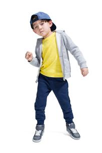 Cute boy break dancingの写真素材 [FYI02224662]