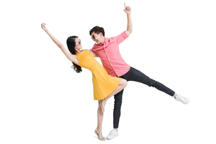 Happy young coupleの写真素材 [FYI02225268]