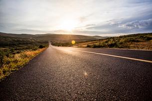 Highway in Inner Mongolia, Chinaの写真素材 [FYI02226249]
