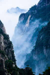 Mt Huangshan in Anhui province,Chinaの写真素材 [FYI02226333]