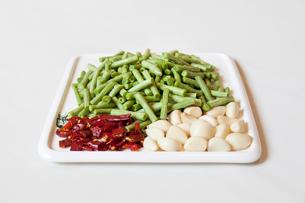 Bush bean, garlic and chilliの写真素材 [FYI02226938]