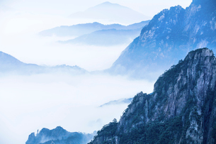 Mt Huangshan in Anhui province,Chinaの写真素材 [FYI02227114]