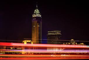 Shanghai cityscape at night,Chinaの写真素材 [FYI02227135]