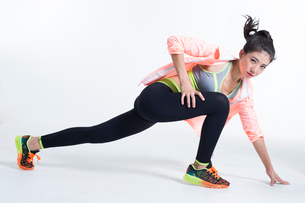 Young Chinese female athlete exercisingの写真素材 [FYI02227382]