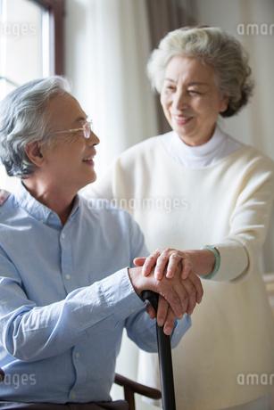 Happy senior coupleの写真素材 [FYI02227857]