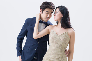 Elegant young Chinese coupleの写真素材 [FYI02229226]