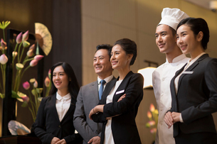 Professional service in luxury hotelの写真素材 [FYI02231267]