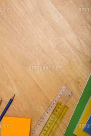 Overhead shot of pupils deskの写真素材 [FYI02234437]