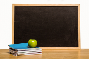 Black chalk board with copy spaceの写真素材 [FYI02234586]