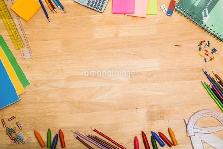 Overhead shot of pupils deskの写真素材 [FYI02234616]