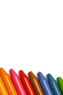 Colourful crayons in a rowの写真素材 [FYI02234686]