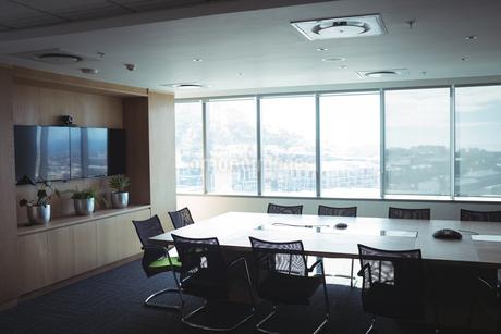 Interior of empty board roomの写真素材 [FYI02235949]