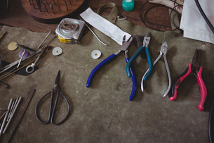 Various metal tools on wooden tableの写真素材 [FYI02239066]