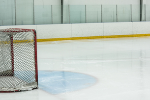Goal post at ice rinkの写真素材 [FYI02239287]