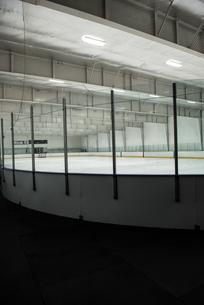 Empty ice rinkの写真素材 [FYI02239977]