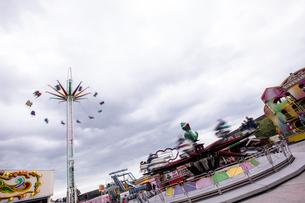 Various rides in amusement parkの写真素材 [FYI02240184]