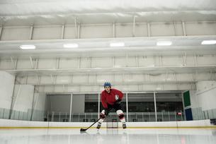 Player playing ice hockeyの写真素材 [FYI02240333]