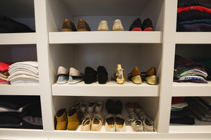 Shoes kept on selvesの写真素材 [FYI02241229]