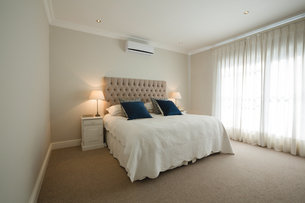 Interior of bedroom at homeの写真素材 [FYI02241347]