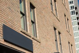 Billboard on building exteriorの写真素材 [FYI02241774]