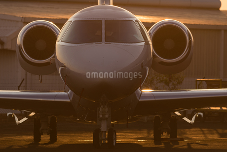 Private jet at terminalの写真素材 [FYI02244298]