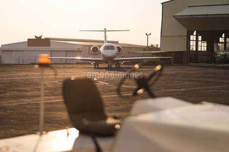 Private jet on a runawayの写真素材 [FYI02245183]